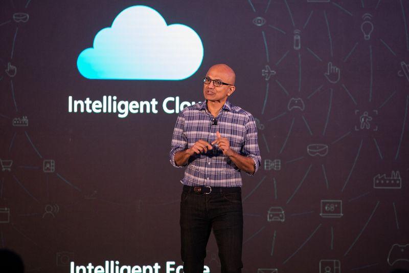 Il CEO di Microsoft Nadella partecipa al Future Decoded Tech Summit